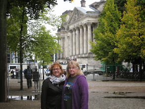Photo: Jill Underwood and Diana Fitzgerald Scelsi at the Reichstag
