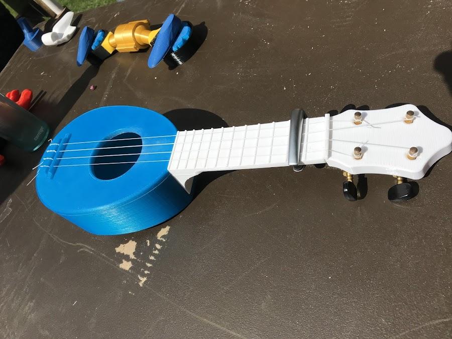 A 3D printed ukulele!