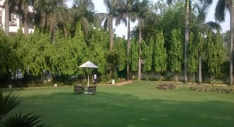 Vivanta by Taj Ambassador