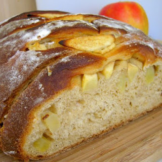 Chai-Tea Apple Bread