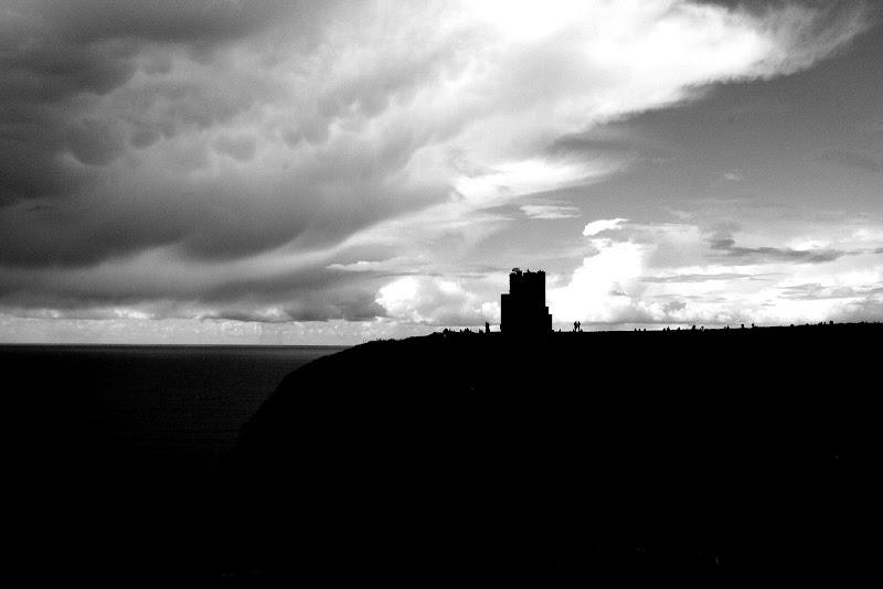 Uomini alle Cliffs of Mohel di Andrea F