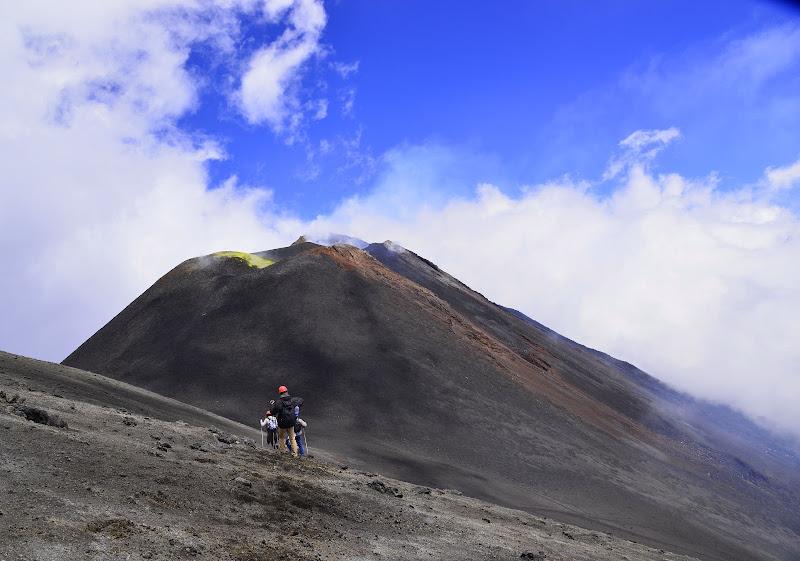 Sentiero per il vulcano di cigno