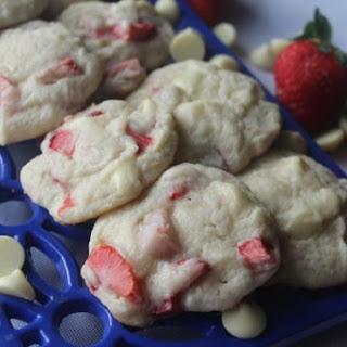 White Chocolate Strawberry Cookies
