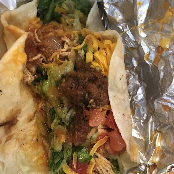 Up close chicken taco!