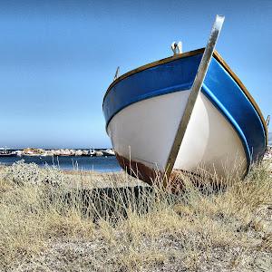 Boat in Skyros.jpg