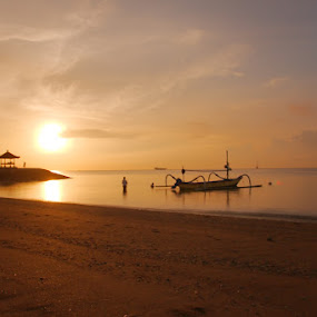 Sanur Sunrise by Heri Cahyono - Landscapes Sunsets & Sunrises