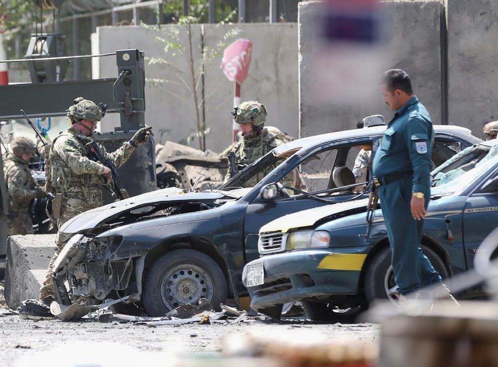 10 selfmoordbomaanval deur Taliban maak 10 burgerlikes dood, twee NAVO-troepe in Kaboel