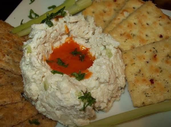 Buffalo Blue Chicken Salad W White & Wheat Firecrackers
