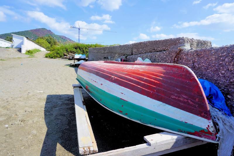 Fine estate, barche a riposo. di francesco_abate