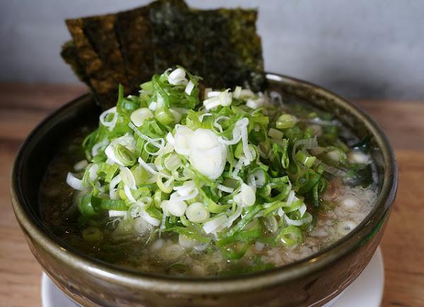 八峰亭日式拉麵-殘酷限量版美味厚切叉燒拉麵