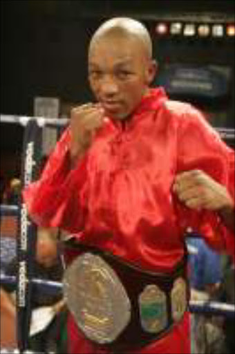 CHAMP: Simphiwe Vetyeka will defend his SA bantamweight title for the sixth time on Friday. Pic. Tladi Khuele. 05/02/05. © Sowetan.