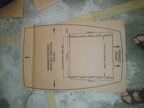 Photo: Esta es la plantilla que viene con el aparato para la apertura del agujero en el techo