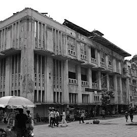 Old Building by Mulawardi Sutanto - Black & White Buildings & Architecture ( history, building, indonesia, jakarta, kota tua, travel )