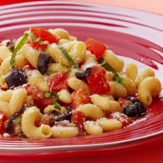 Pomodoro Pasta with White Beans & Olives.