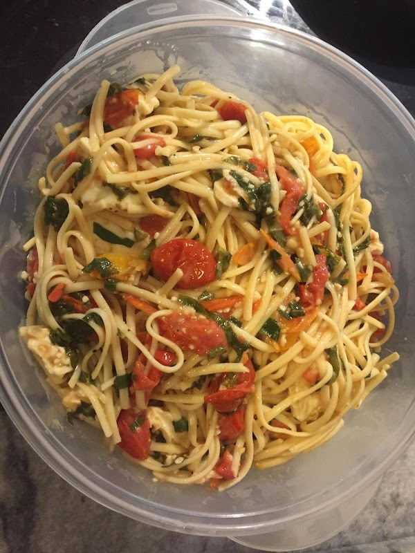 Pasta Margherita (basil,tomato, Mozzarella Cheese) Recipe