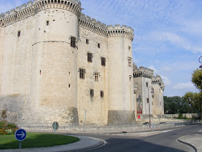 Photo: Tarascon is best known for its exceptionally well-preserved chateau, which was started in 1401 by Louis II on the site of a previous Roman fortification, then completed in the mid-15th century by his son Good King Rene.