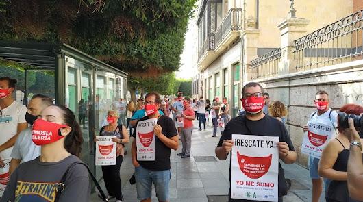 La hostelería vuelve a concentrarse en Almería para pedir ayudas