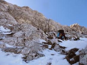 Photo: Najtežji del smeri, z snegom si ni dalo dosti pomagati zato je bilo treba hakljati za trave