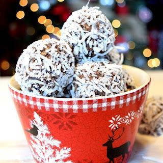 Traditional Newfoundland No-Bake Snowballs.