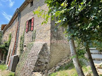 maison à Saint-Michel-de-Chabrillanoux (07)