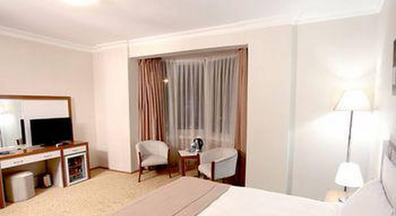 Pietra Hotel