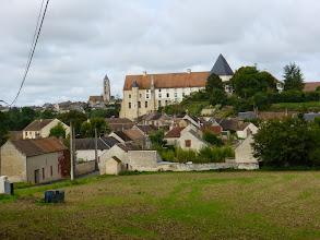 Photo: Arrivée à Château-Landon, devant l'abbaye St Séverin (77).