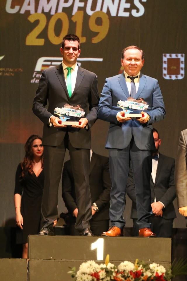 Crisanto Galán y José Antonio Aznar, un año más galardonados por ser campeones de rallyes de asfalto