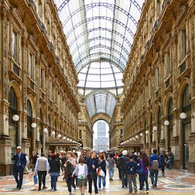 Milan Shops Duomo Plaza by Lindra Hismanto - Buildings & Architecture Public & Historical ( milan, lindra, hismanto, duomo plaza, duomo, milan shops, italy, Urban, City, Lifestyle )