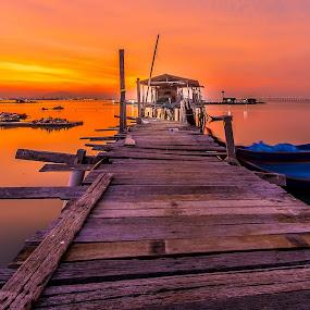 Sunrise@Jelutong by Lim Keng - Buildings & Architecture Bridges & Suspended Structures (  )