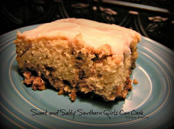 Dee Dee's Sticky Bun Cinnamon Roll Cake Recipe