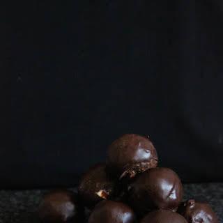 Raw Vegan Brownie Truffles.