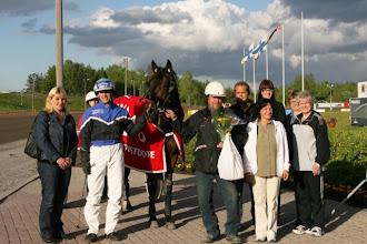 Photo: Lämminveristen Veeruska-ajon voittaja 30.5.2010 Frozen Riesto/Ville Tonttila