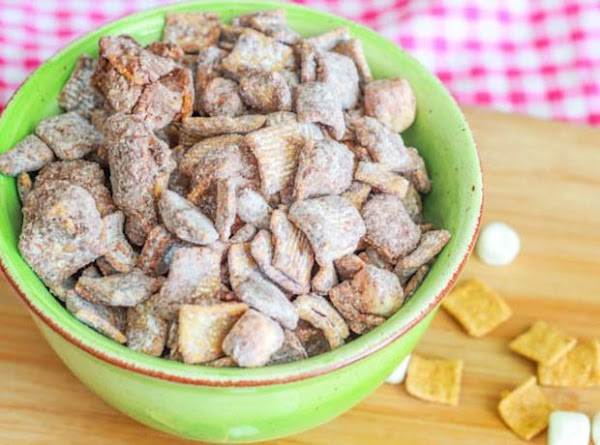 S'mores Puppy Chow Recipe
