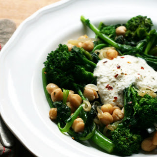 Broccoli Rabe with Chickpeas and Ricotta