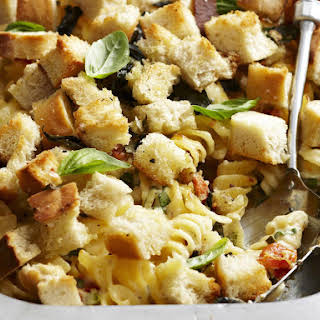 Cheesy Pasta with Crunchy Topping.