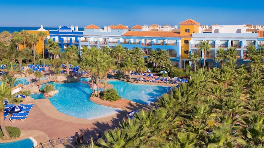 El Hotel Playaballena está situado en la costa gaditana.