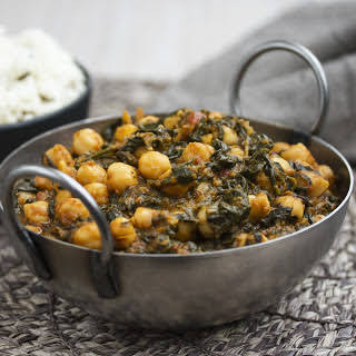 Palak Chole (Indian Spinach and Chickpea Curry) [Vegan, Gluten-Free].