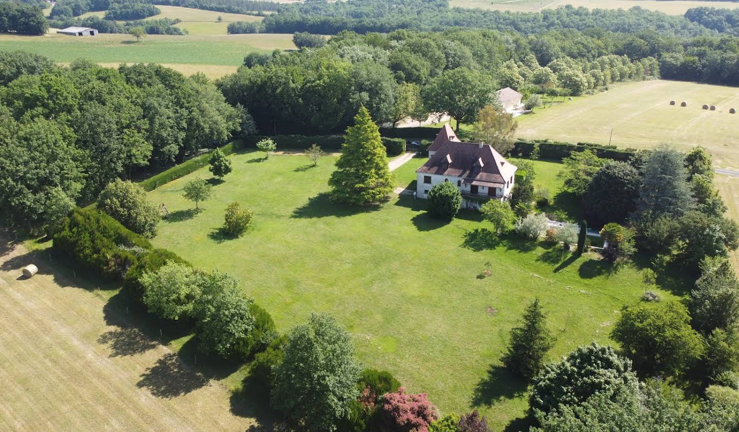 House with pool and garden Fouleix