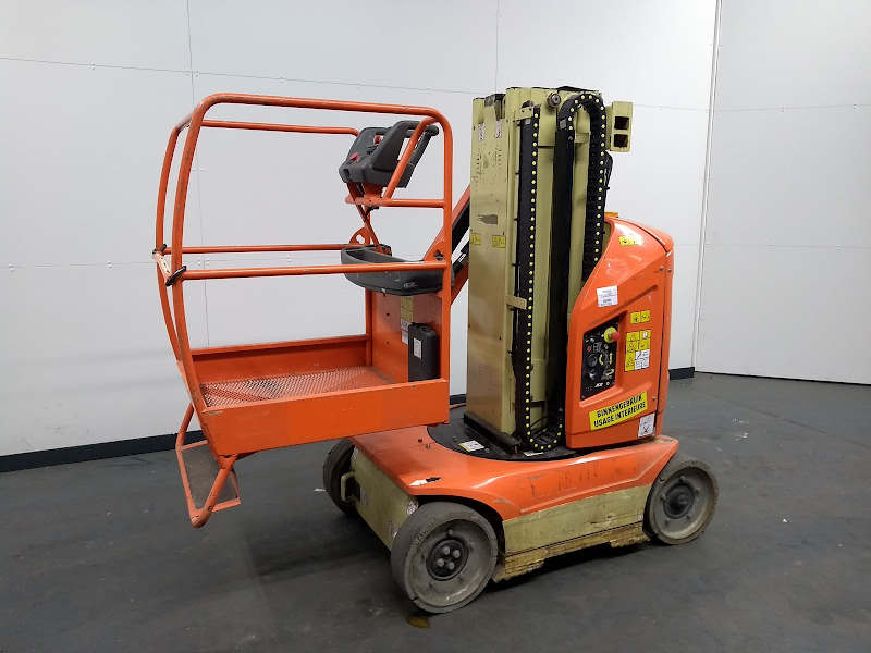 Picture of a JLG TOUCAN 8E
