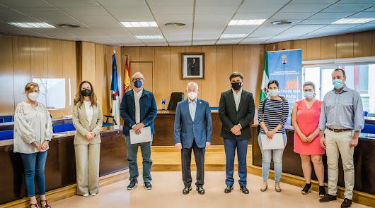 Roquetas formaliza nueve convenios para prácticas en administración
