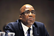 Aaron Motsoaledi says that in Donald Trump the world has the head of a very powerful nation who has no leadership qualities at all.