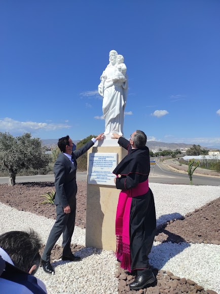 Bendición de la estatua de San José en el acceso norte de la UAL.