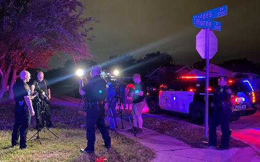 8 injured in Texas shooting, no suspects in custody