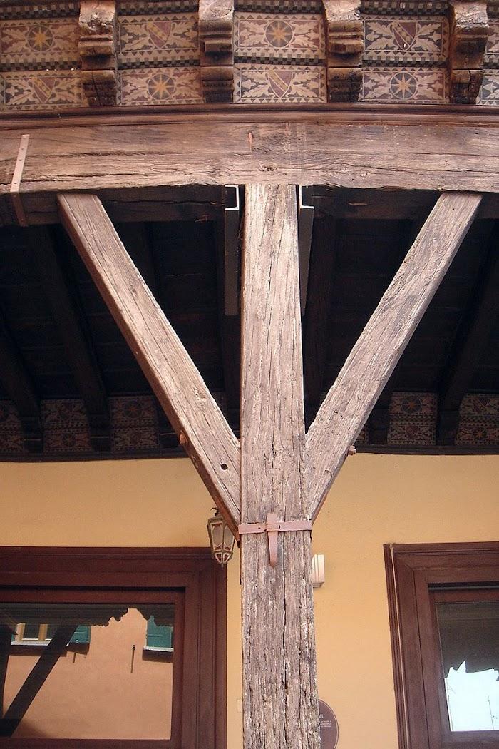 Деревянные портики