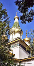 Photo: Sofia, Kerk van Nicolaas de Wonderdoener (Sveti Nicolaj Cudorvorec). Russische kerk uit de 17e eeuw.  www.loki-travels.eu