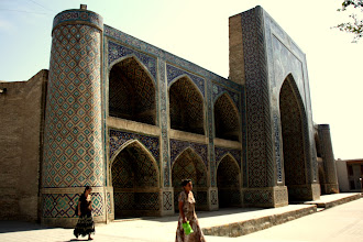 Photo: Day 164 -  Building in Lyabi-Hauz Complex #3