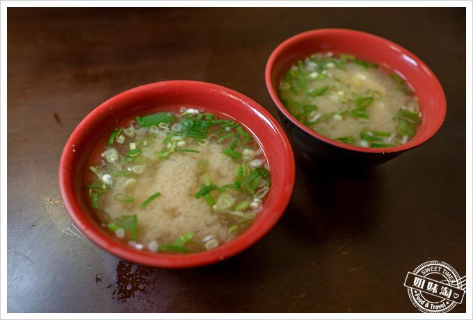 三味食堂味噌湯