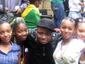 Photo: Gappy-Ranks and the girls