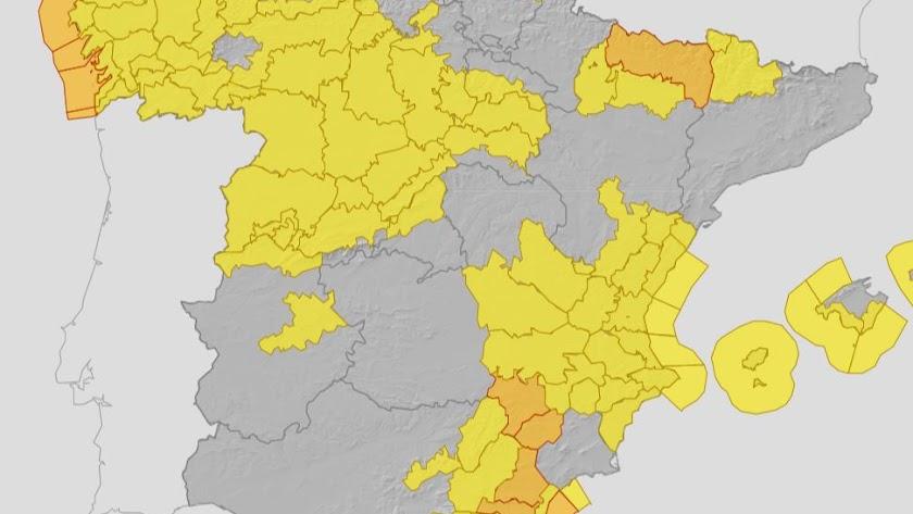 Mapa de la Aemet con los avisos activos en todo el país.