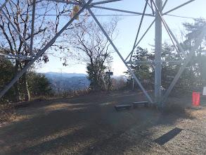 鉄塔下が山頂